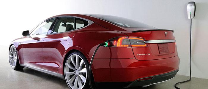 Mobil Canggih Tesla Media Baca