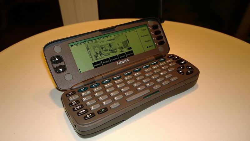 communicator 9000-min