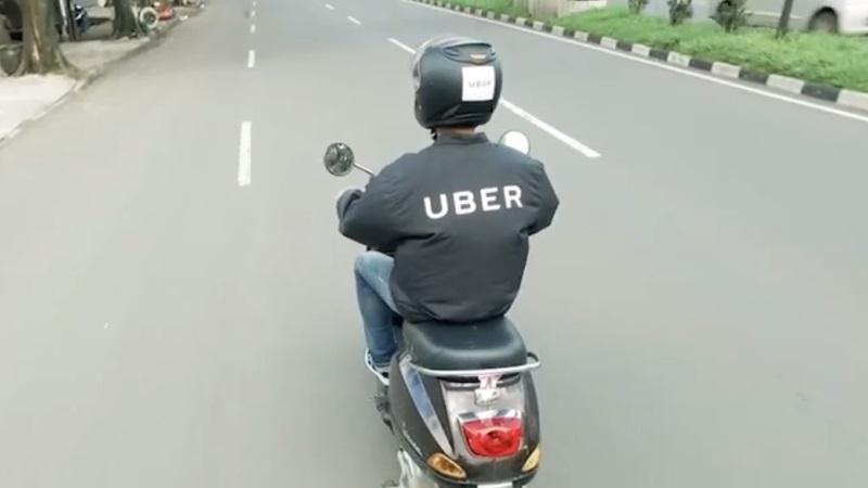 Pengemudi UberMOTOR 3