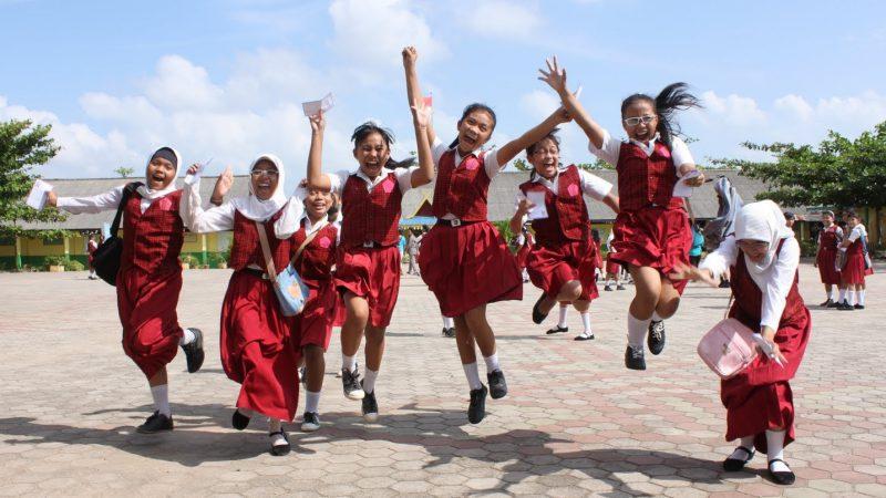Quintal Aplikasi Bantu Sekolah Proses Absensi dan Nilai