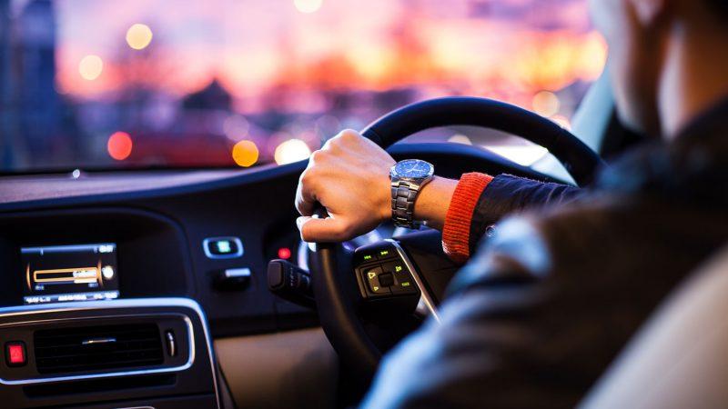 Mengemudi Mobil | Ilustrasi
