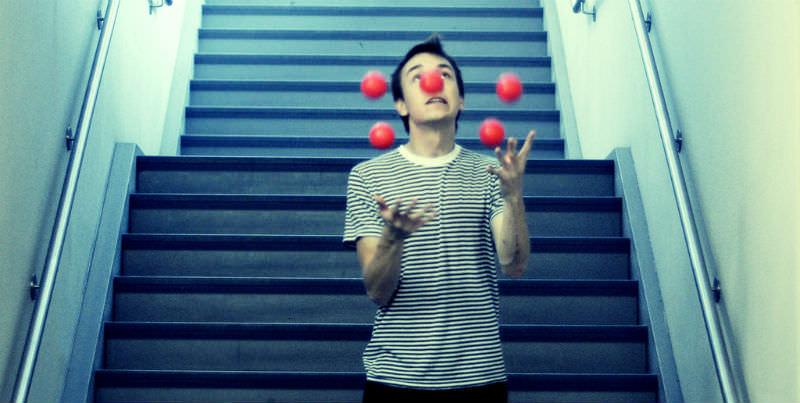 ilustrasi jugling