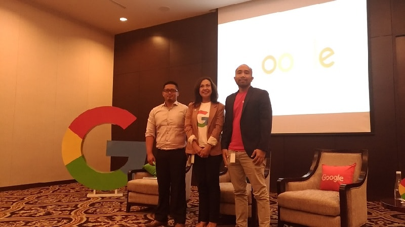 (Kiri ke kanan): Dimas Ibrahim Aska (Head of Media Relation Toyota Astra Motor), Amalia Fahmi (Industry Head Google Indonesia), dan Abraham Hutagalung (Industry Analyst Google Indonesia).