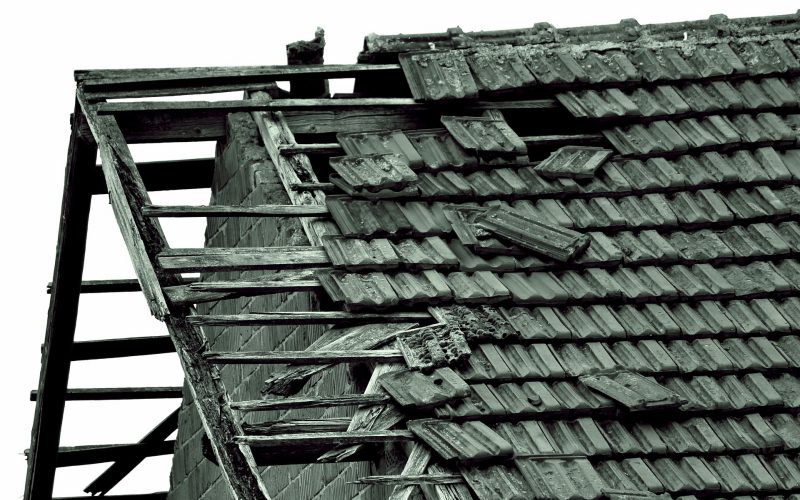 Atap Rusak | Ilustrasi