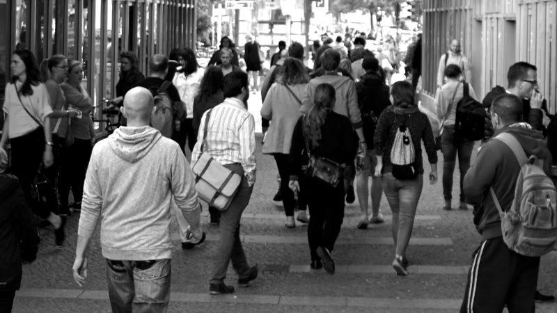 Kerumunan orang | Ilustrasi