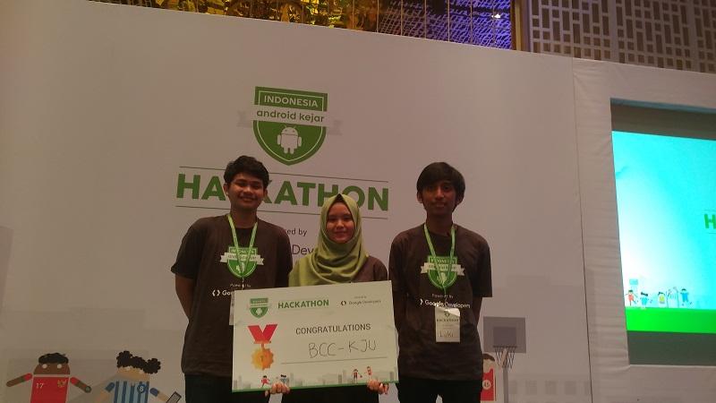 Tim BC-KJU asal Malang yang menjadi pemenang pertama Indonesia Android Kejar lewat aplikasi SportyWay.