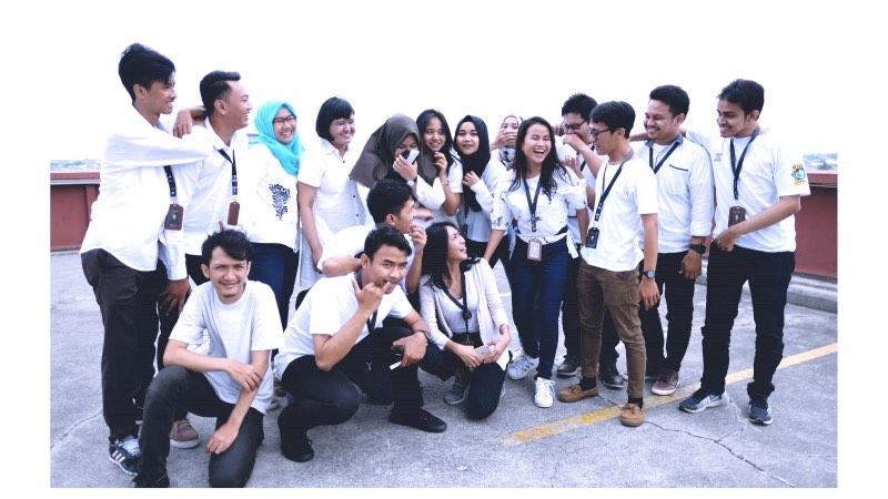 BelanjaBekas Team | Photo