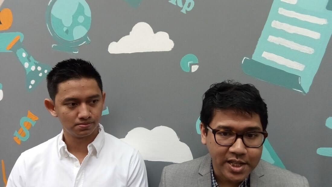 co-founder dan CEO Ruangguru, Belva Devara (kiri) bersama co-founder dan Chief Product Officer Ruangguru, Iman Usman.