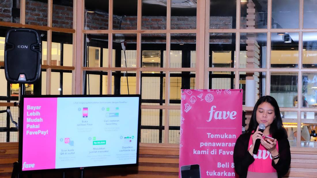 Marketing Communications Manager Fave Indonesia, Priska Patianom, menjelaskan penggunaan fitur FavePay