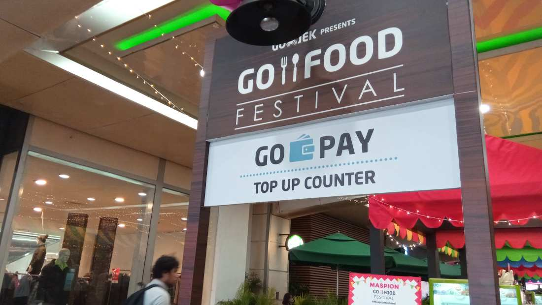 GO-PAY Top Up Counter di GO-FOOD Festival