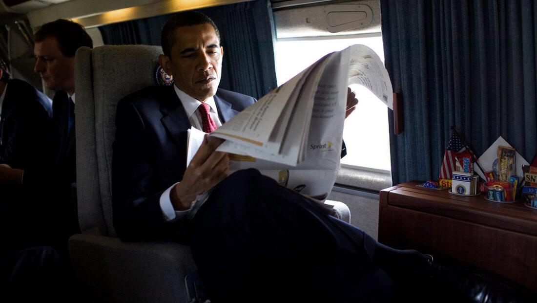 Obama Reading | Photo 1