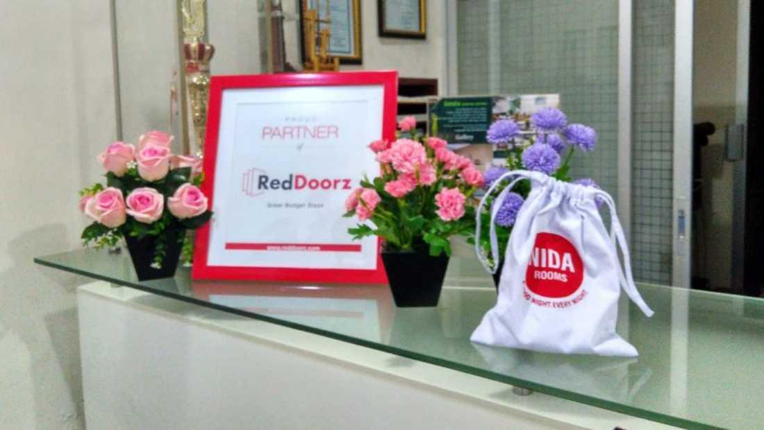 RedDoorz Nida Rooms