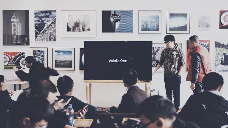 Desainer UX | Tingkatkan Kemampuan Public Speaking