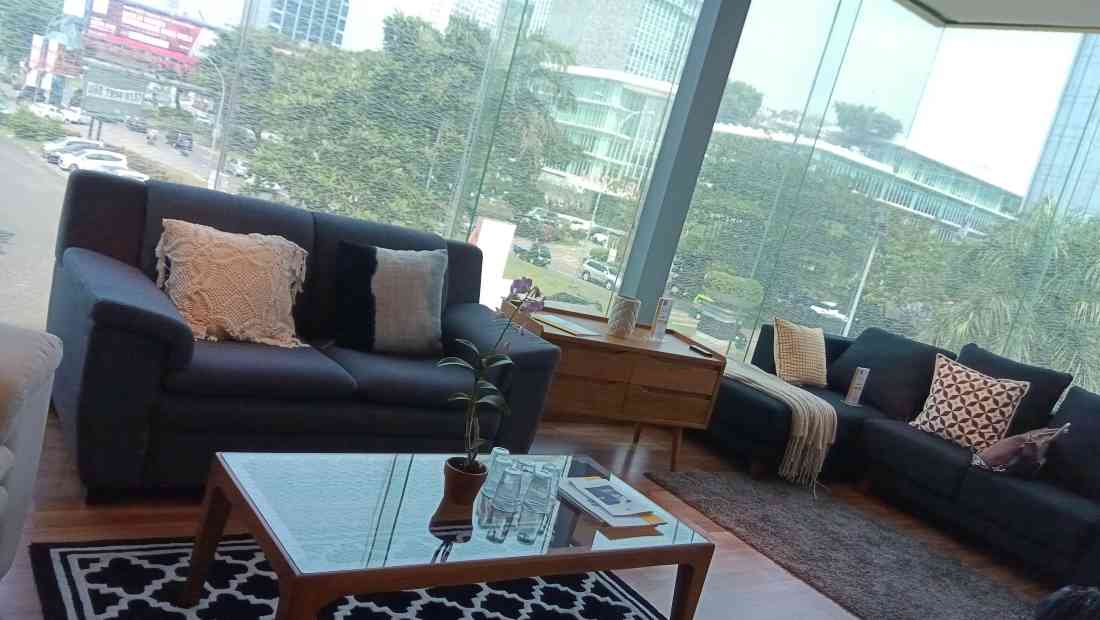 Contoh produk furnitur di showroom Fabelio | Photo