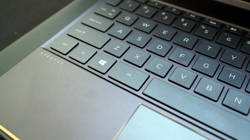 """Pengalaman """"Hijrah"""" 14 Hari dari Laptop Gaming ke Ultrabook – Legal"""