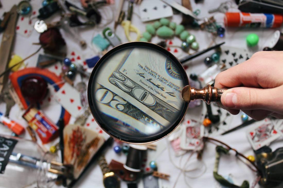 Kaca Pembesar Uang | Ilustrasi